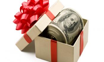 Tiền thưởng khuyến khích hiệu quả công việc có chịu thuế TNCN và những khoản tiền thưởng nào thì không chịu thuế TNCN?