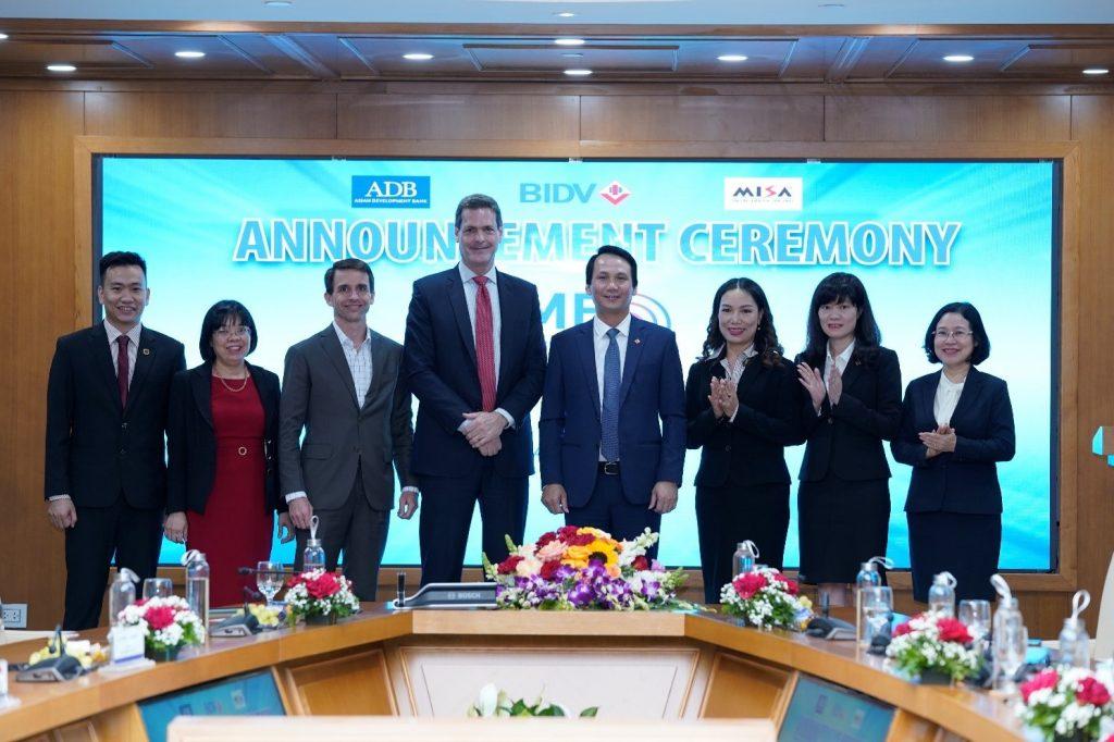 Lễ công bố Chương trình Chuyển đổi số cùng doanh nghiệp vừa và nhỏ – SME Digitrans